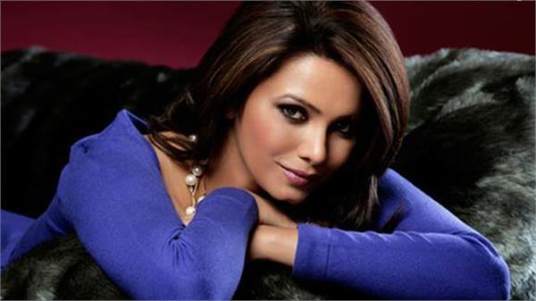 एक बार फिर फ्रीज एग्स की मदद से मां बनने वाली हैं पूर्व मिस इंडिया डायना हेडन