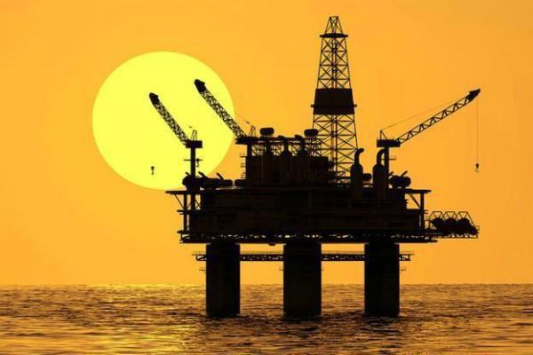 slight rise in gold  sluggish crude oil