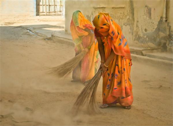 to keep healthy women broom wipe