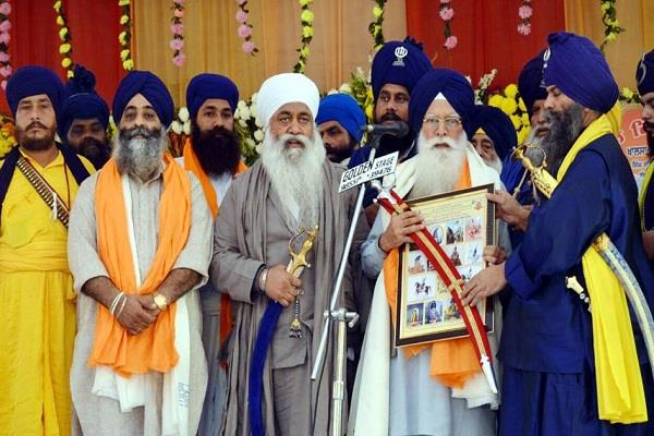 shiromani committee will make a religious meeting in memory of great sikh
