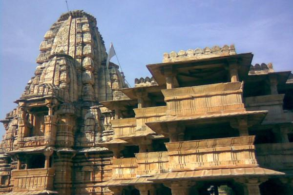 know  why this temple of 12th century is  called unique