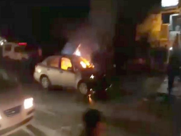 dangerous fire in 2 cars with short circuits