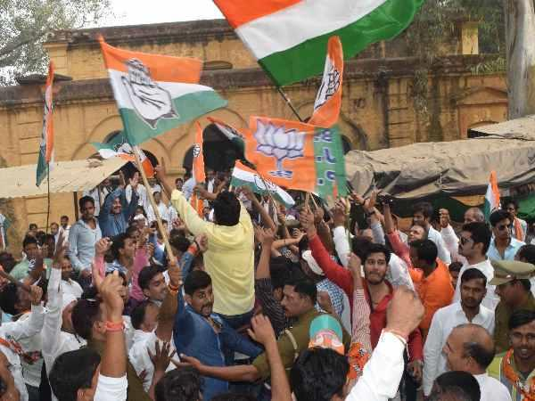 congress bjp workers clashing during enrollment in body elections