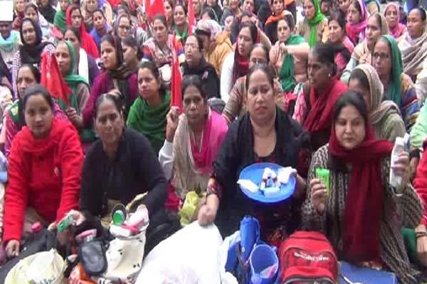 aganbari worker protest