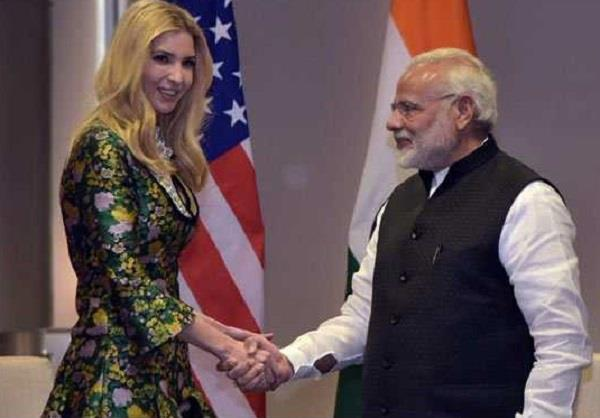 modi gave a warm welcome to ewanka trump akhilesh made kataksh