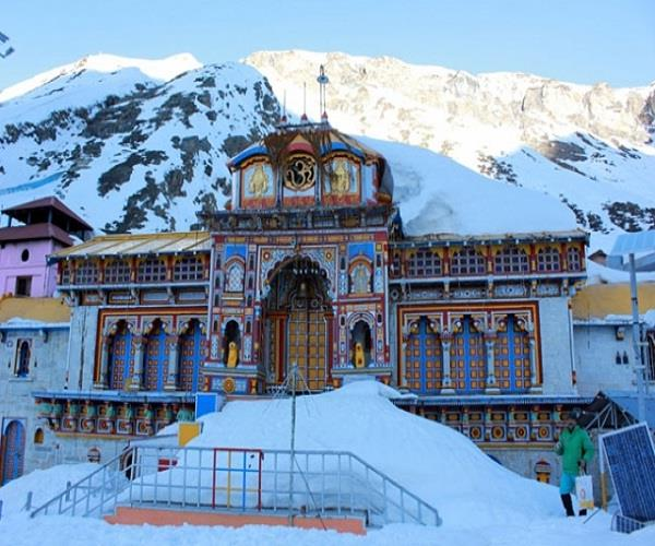 know where the key badrinath temple is closed