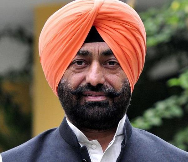 sukhpal singh khaira under fire for taking up punjabi s cause in english