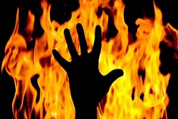 student burnt alive to protest against tampering