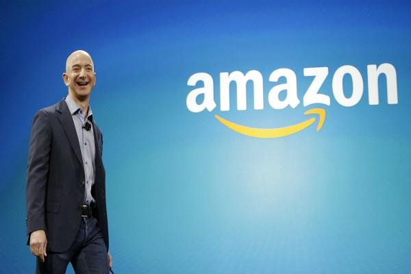 jeff bezos wealth crossing over 100 billion in black friday