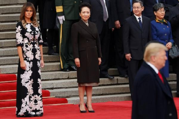 melania is walking alone in china