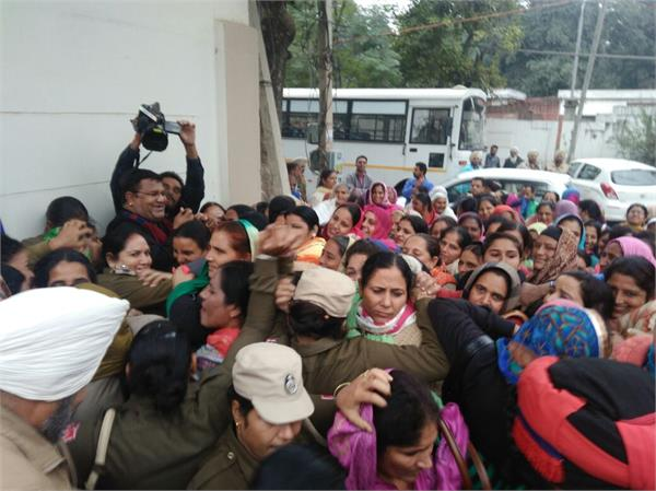 anganwadi workers  helpers up in arms