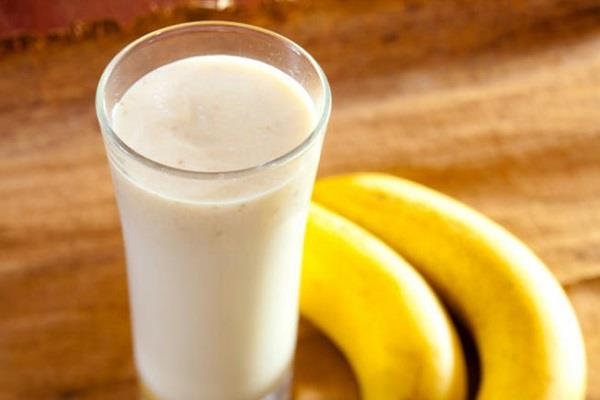 learn to eat the banana with milk  these advantages