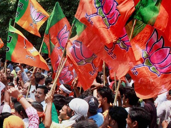 bjp rebels in ruckus due to electoral battle