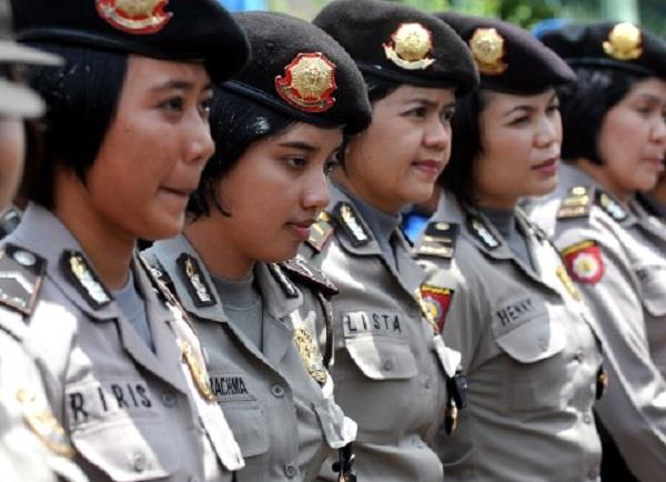 indonesia    virginity tests   for female police