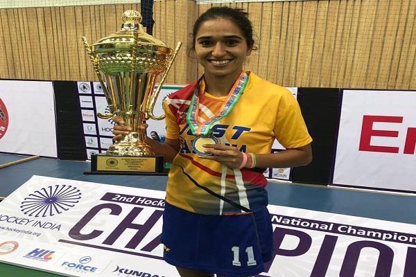 monika won gold medal in hockey championship