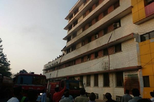 indore the fire in the largest child s child ward the ruckus