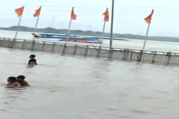 yacht drowning in krishna river three killed 17 others feared drowning