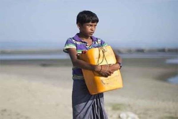 these teenagers from rohingyas reached bangladesh by drum