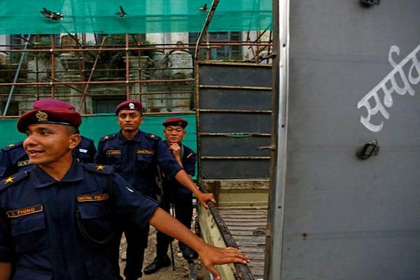 957 people detained before election in nepal