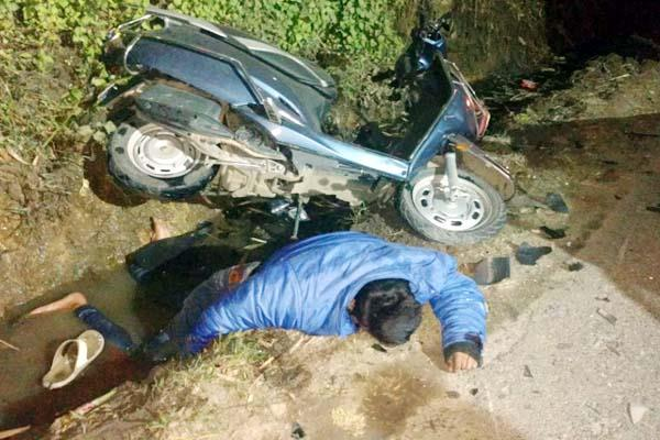 painful incident  collision between car and scooty  death of youth