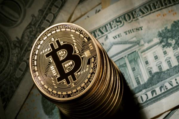 bitcoin at a new height of 19000 dollar rbi warns investors
