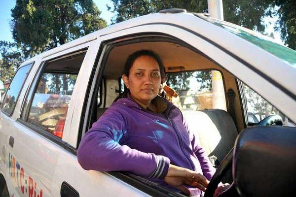 himachal first lady driver is the biggest dream