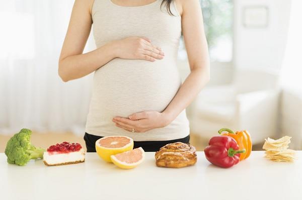 गर्भावस्था मे अधिक विटामिन्स लेने से हो सकती है परेशानियां