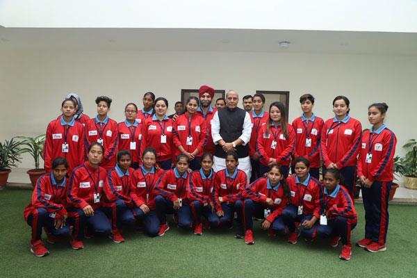 women football team met with rajnath singh