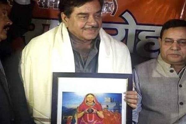 shatrughan sinha supporting opponents of padmavati