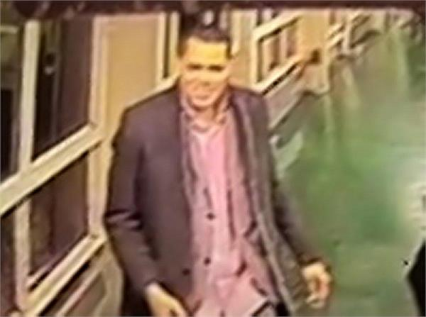 dinner date   ruined when man steals woman  s bank card