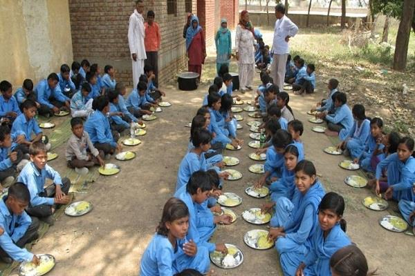 midday meal scheme ninehalas nourishing meals in six to nine rupees