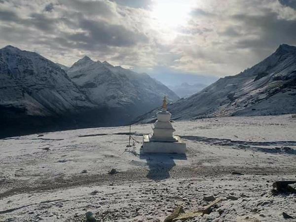 snowfall in lahaul valley including rohtang