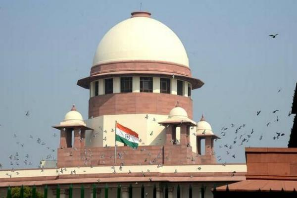sc angry on senior lawyers as they talked in loud voice