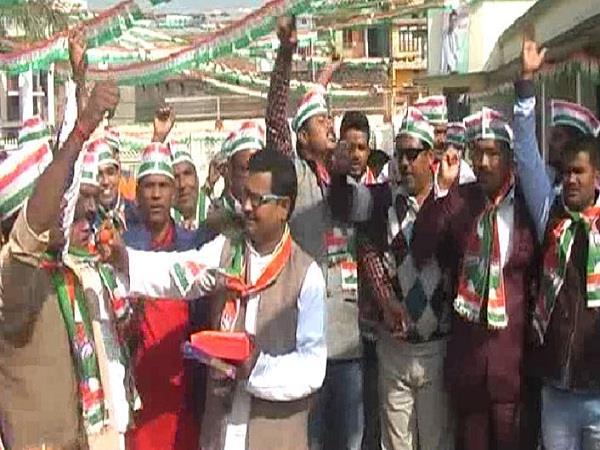 celebrating in amethi after coronation of rahul