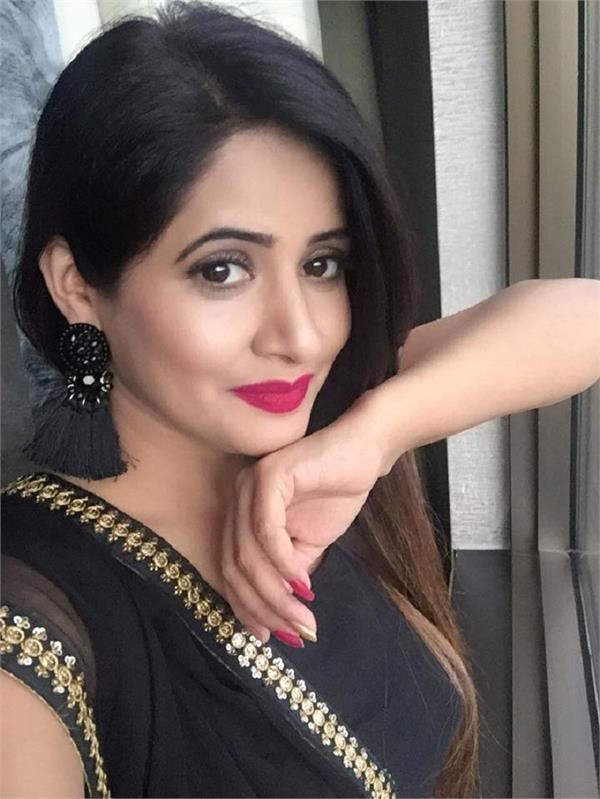 miss pooja birthday