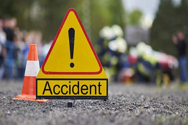 mini bus accident  16 injured