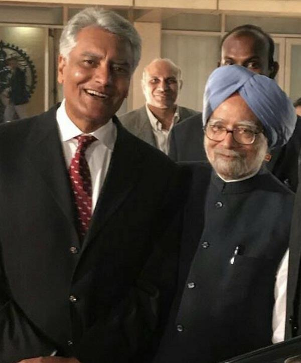 jakhar meeting with top leaders including manmohan singh in delhi