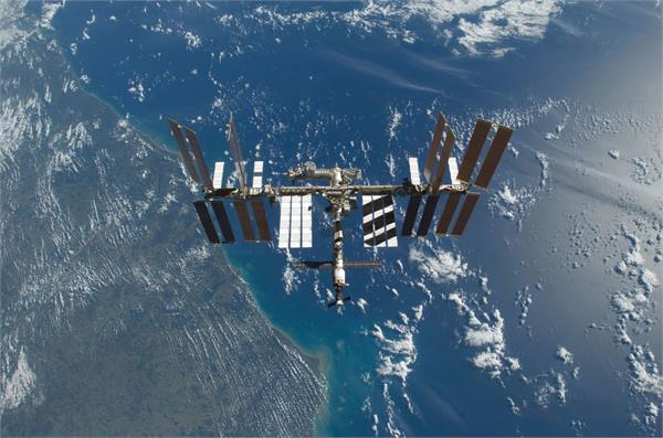 russia is planning to put a luxury hotel on the iss