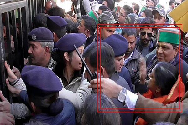 punjab congress incharge lodged a case against asha kumari