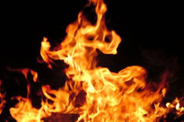 shops gutted in fire at poonch