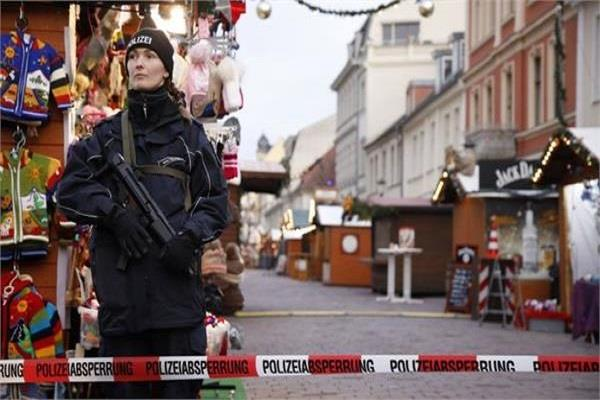 germany suspicious explosive device found in christmas market