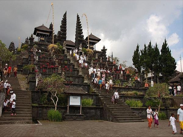 देश में ही नहीं, विदेश में भी बने हैं हिन्दू मंदिर