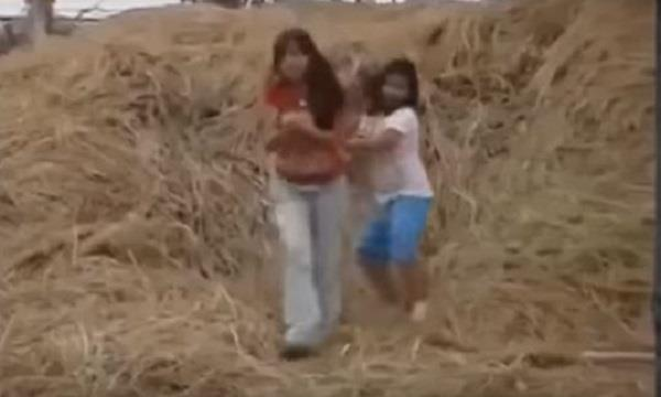 girls stealing eggs of hen caught on camera