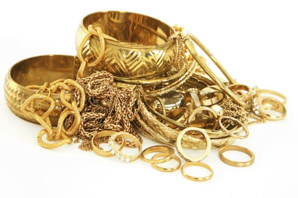 gold 170 rupees and silver 350 rupees high