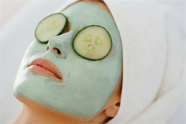 चेहरे पर कसाव के लिए अपनाएं ये खास फेस मास्क