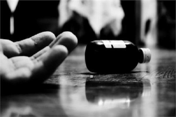 4 members of the family in the village of muktsar rupana suicide  3 killed