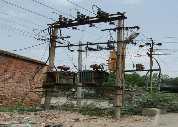 between 20 days of lightning rains heat cutting villages