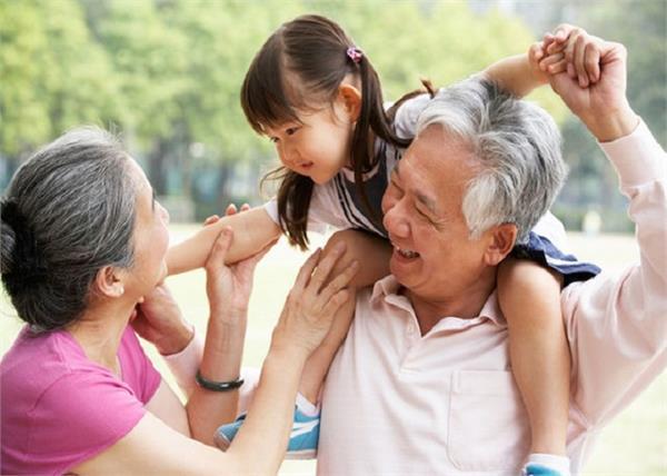 बच्चों के लिए क्यों जरूरी है दादा ...