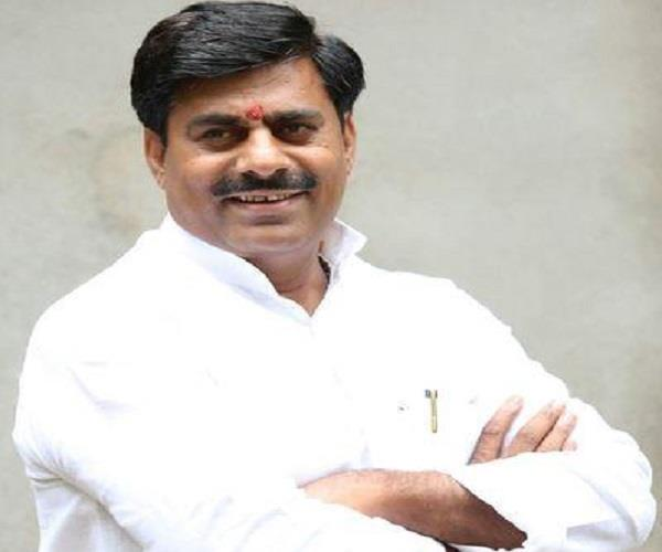 bjp mla controversial statement  that same farmer subsidies chate