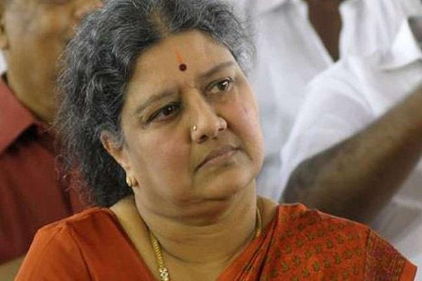 while in prison  arrived sasikala regain the throne of power